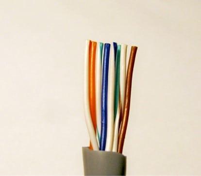 выровненные проводники в интернет кабеле